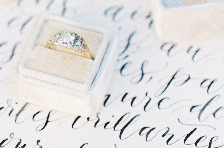 Nice plume calligraphie organique mariage et �v�nement
